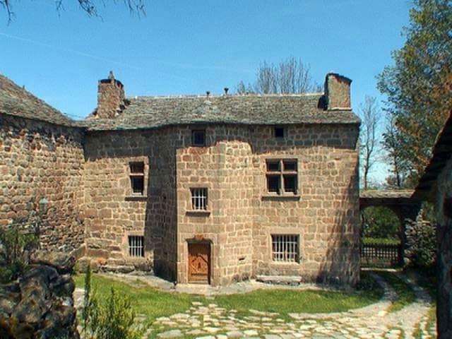 Frankrijk karakteristiek huis te koop haute loire auvergne for Huizen te koop frankrijk