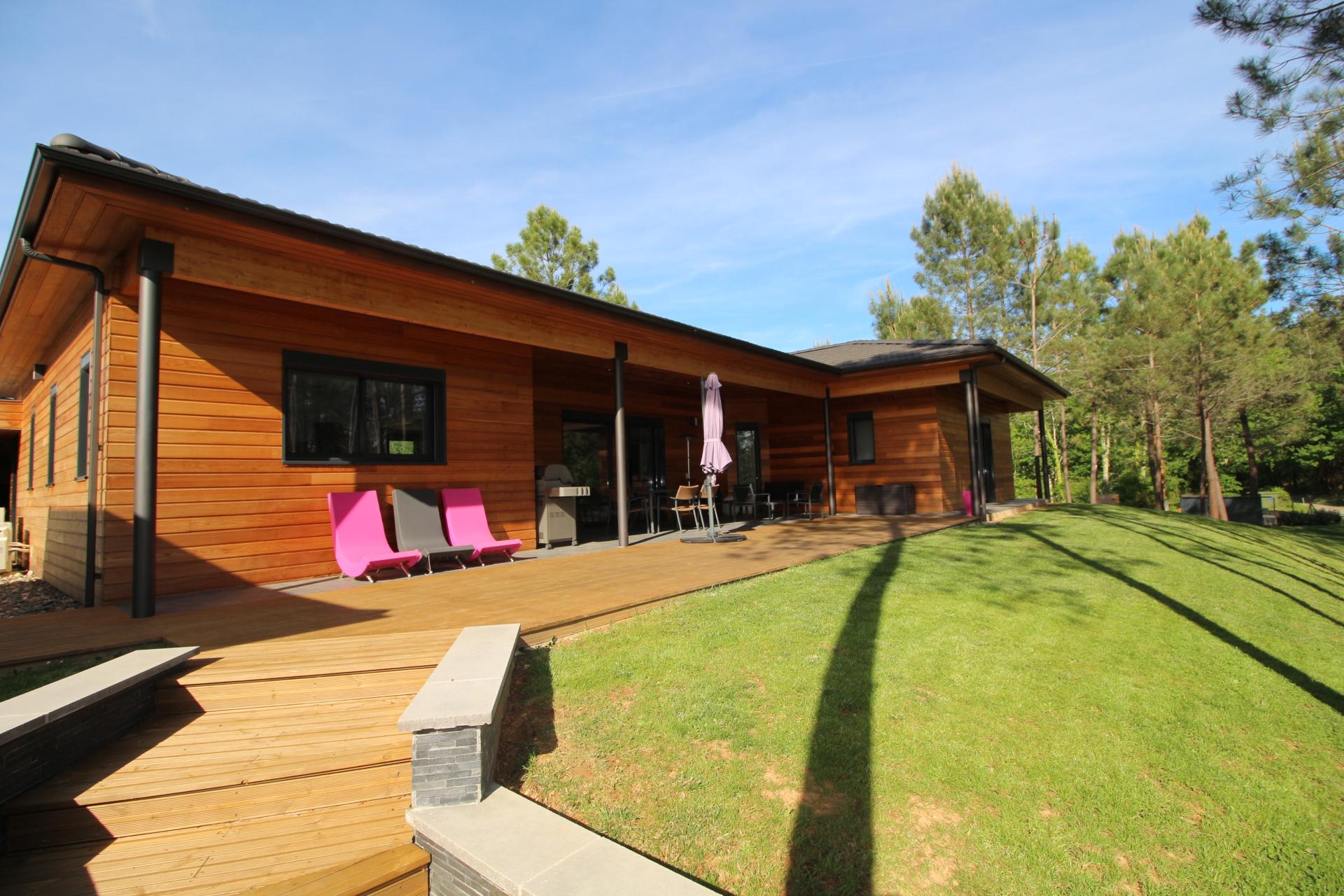 Maison contemporaine vendre avec piscine lot et garonne for Constructeur maison contemporaine lot et garonne