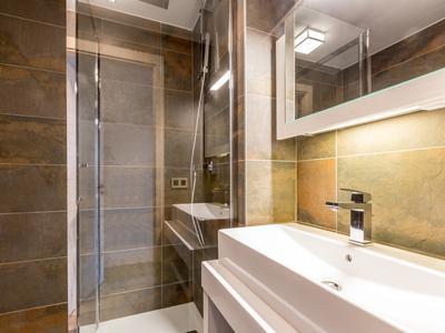 A Vendre Luxueux Appartement Entierement Meuble Avec 2 Chambres 2